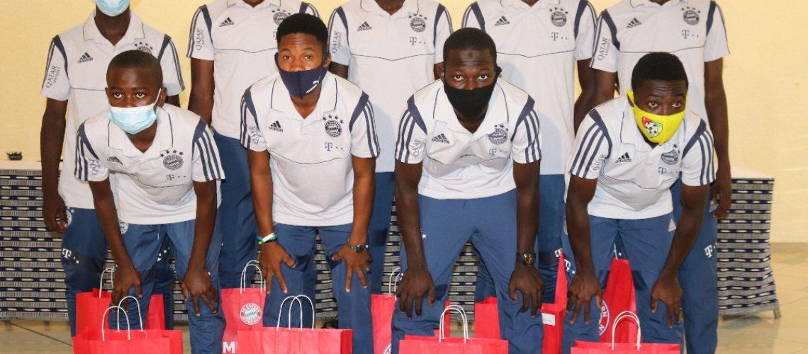 Des cadeaux de fin d'année offert par le FC BAYERN pour les joueurs prélectionnés